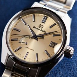 HANDS-ON:Grand Seiko Spring Drive SBGA373 and SBGA375 – blue and champagne dials added to the family