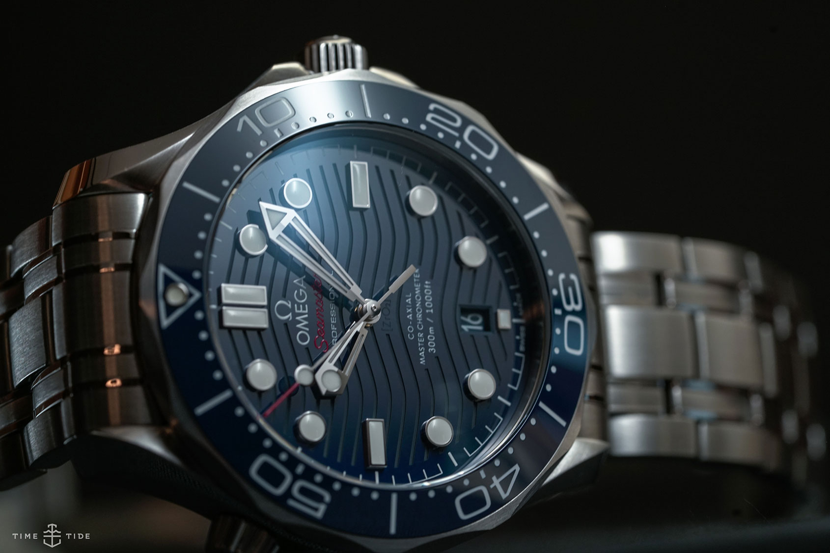 Hands on the omega seamaster professional 300m an all time classic gets fresh time and tide for Omega seamaster professional