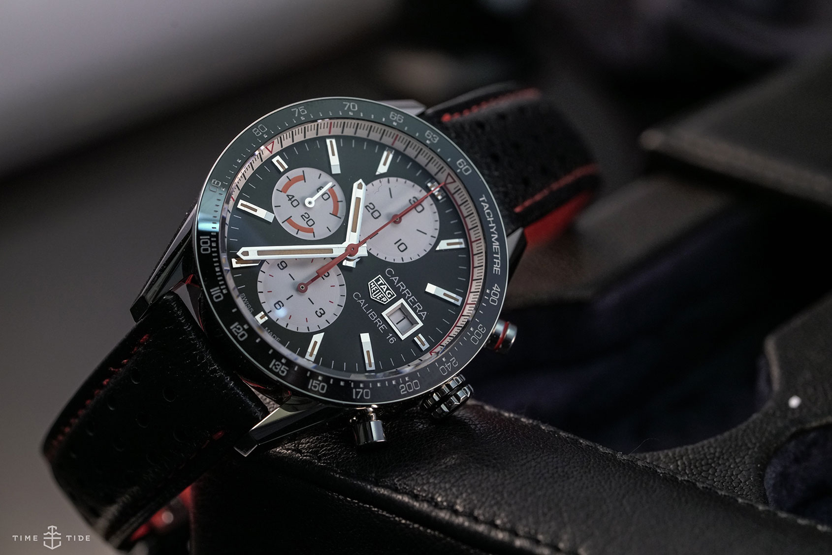Tag-Heuer-Carrera-Calibre-16-Chronograph