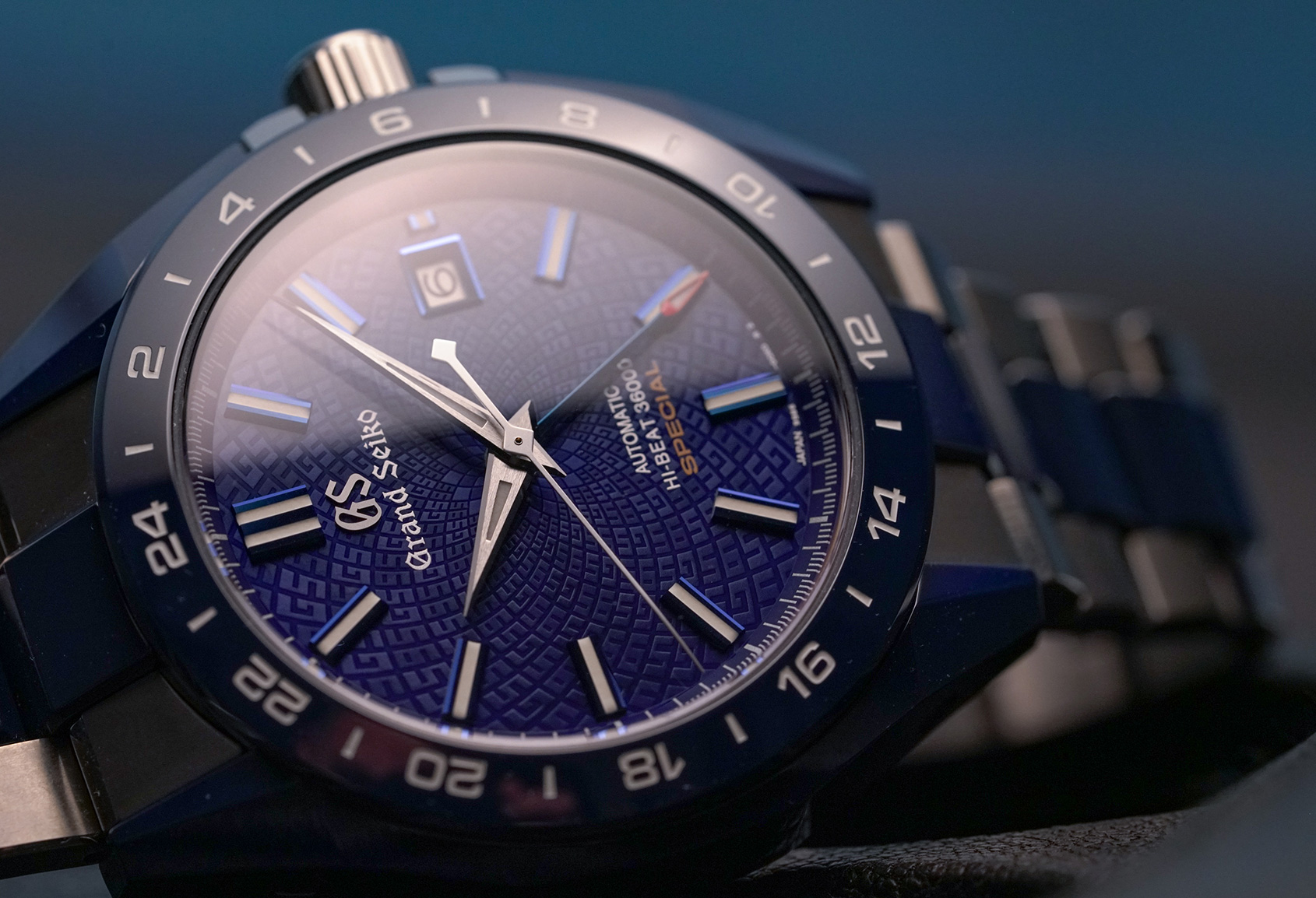 Grand-Seiko-Blue-Ceramic-GMT-Special-2