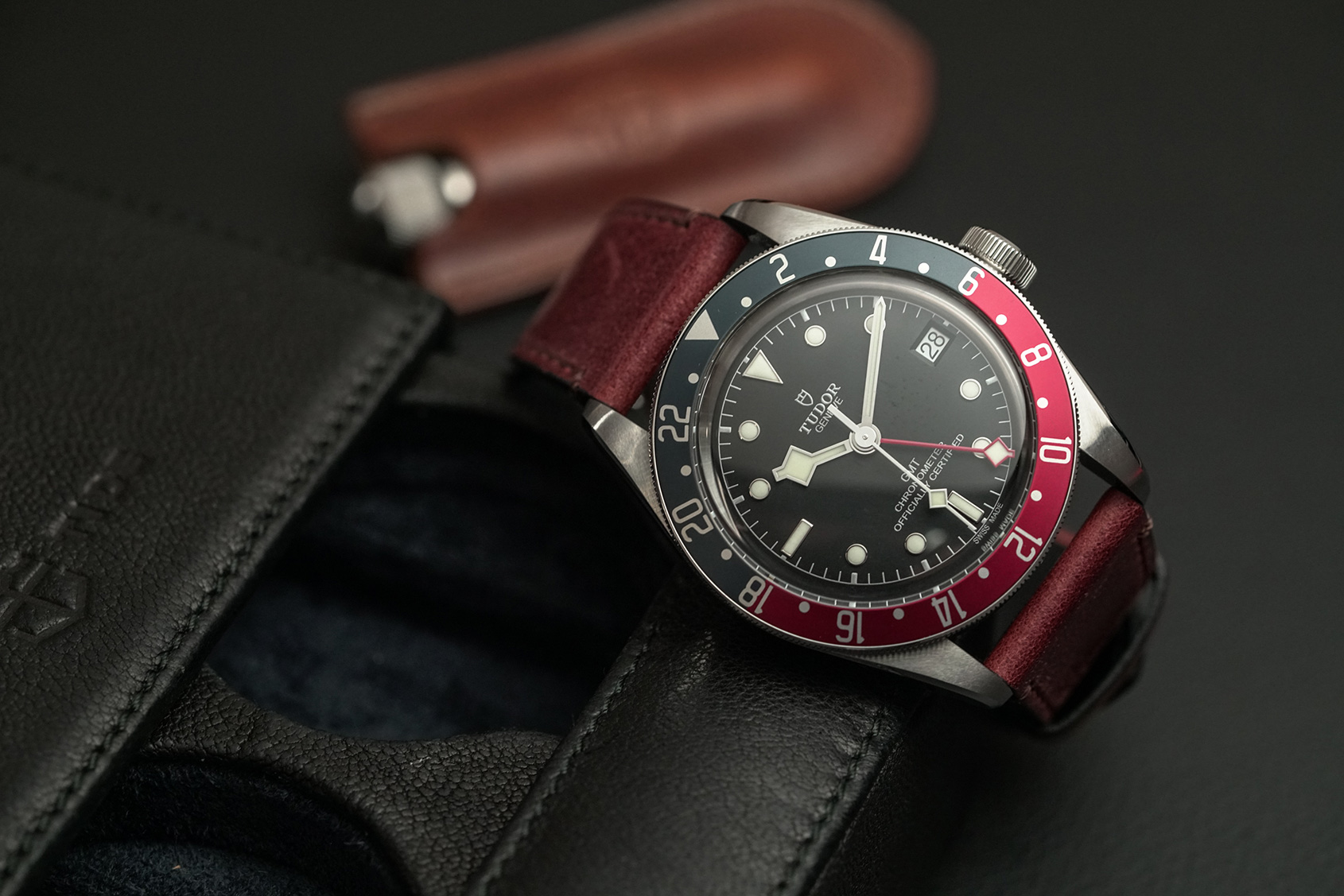 Hands On The Tudor Black Bay Gmt Pepsi Is The New Black Bay