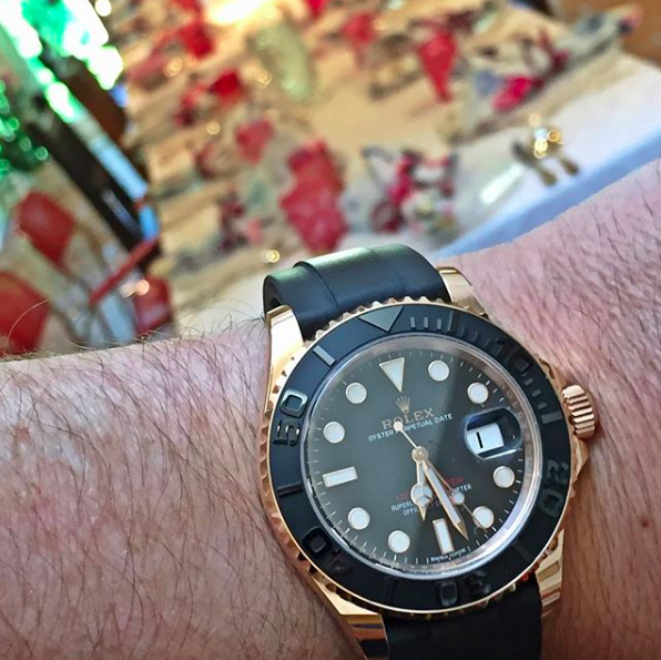 WatchPartsMotorCycles 1 - WHO TO FOLLOW: @WatchPartsMotorCycles –a guy who bought a watch with gold bullion