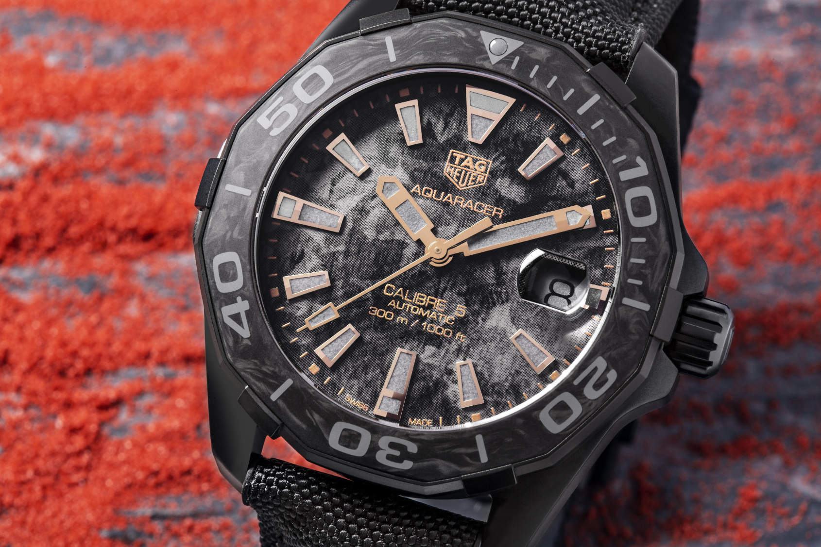 INTRODUCING  Altered carbon – the TAG Heuer Aquaracer 300M Carbon ... e3d82bff8