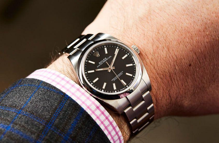 Rolex-Oyster-Perpetual-39-black-4-845x550.jpg