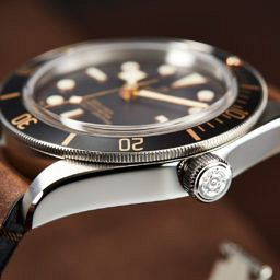 best-tudor-black-bay-watches-dark-58-bronze-heritage-steel-review