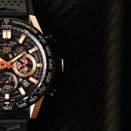 cad68c410 HANDS-ON  A flash on the wrist – the carbon and gold TAG Heuer Carrera Heuer  02 Carbon
