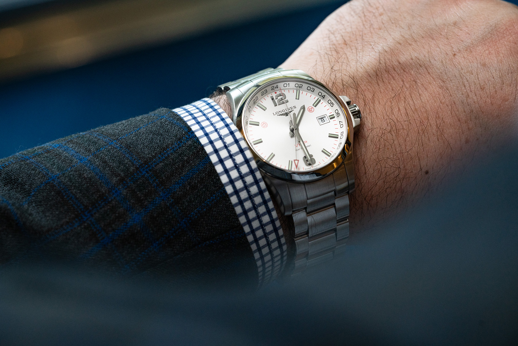 """996d4e737fe IN-DEPTH  The Longines Conquest V.H.P. GMT """"Flash Setting"""""""
