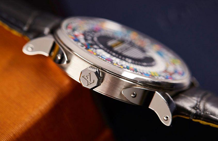 Louis Vuitton Escale Time Zone case profile