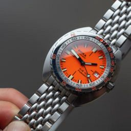 55920ed8952b Dive deep with the Doxa Sub 1200T Professional