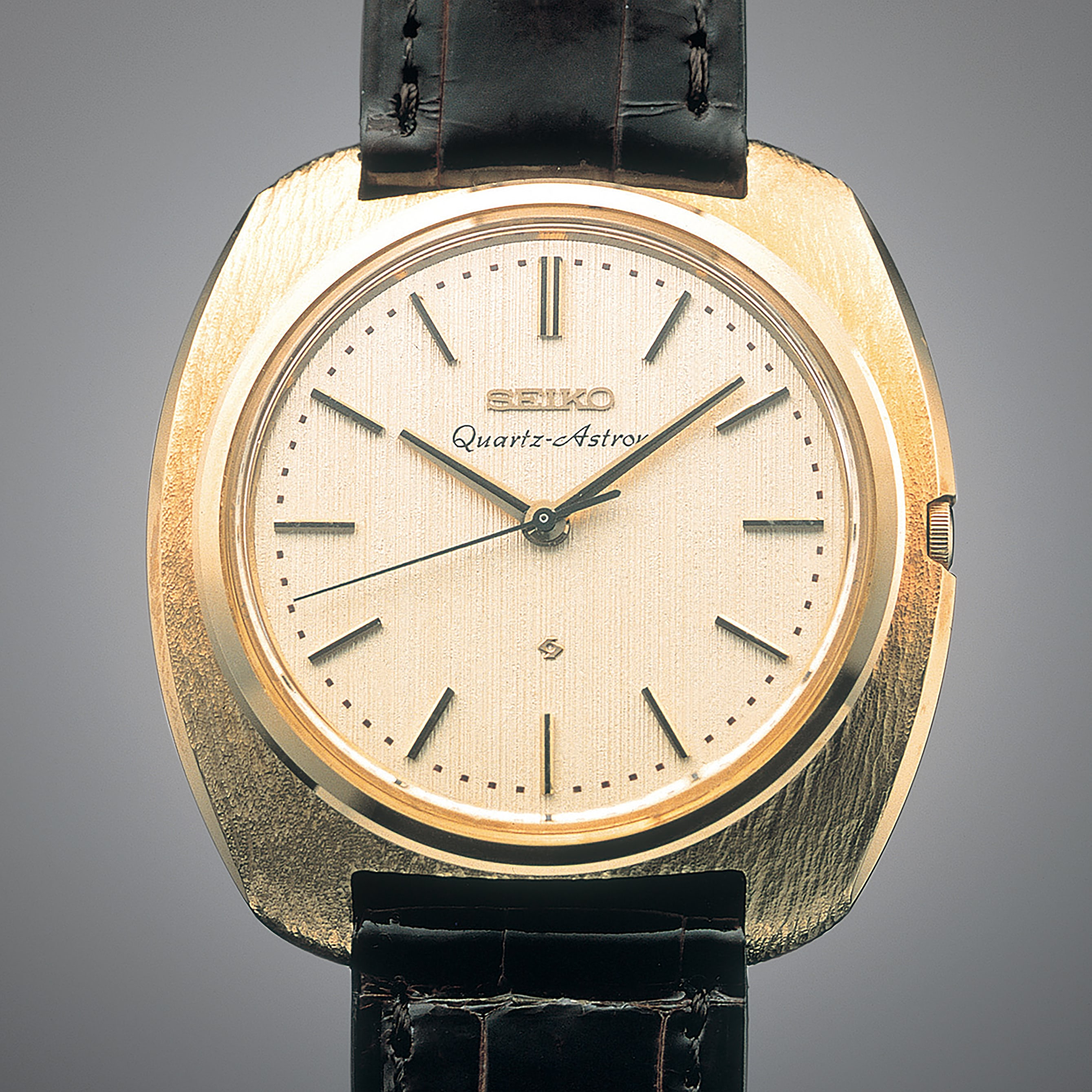 history of quartz watches