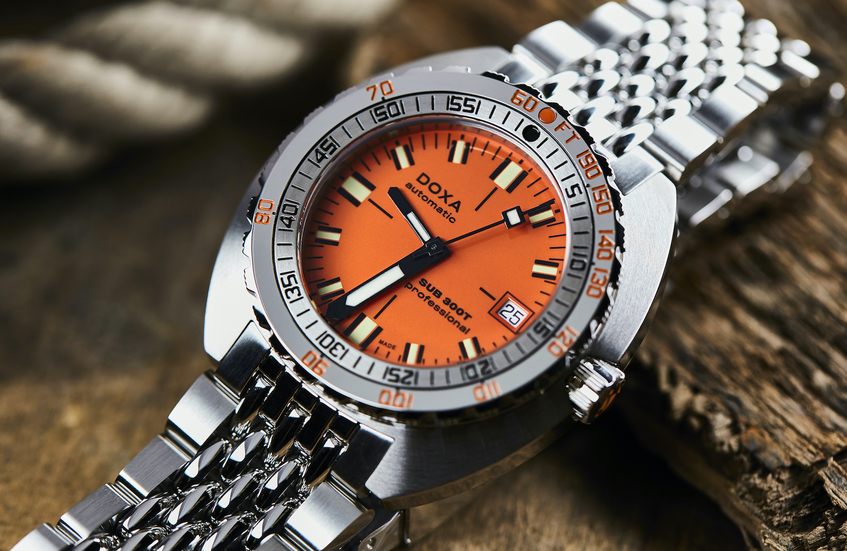 IN-DEPTH: The DOXA SUB 300T, the dive watch icon that takes you 1200m deep  for less than $2000USD | Time and Tide Watches