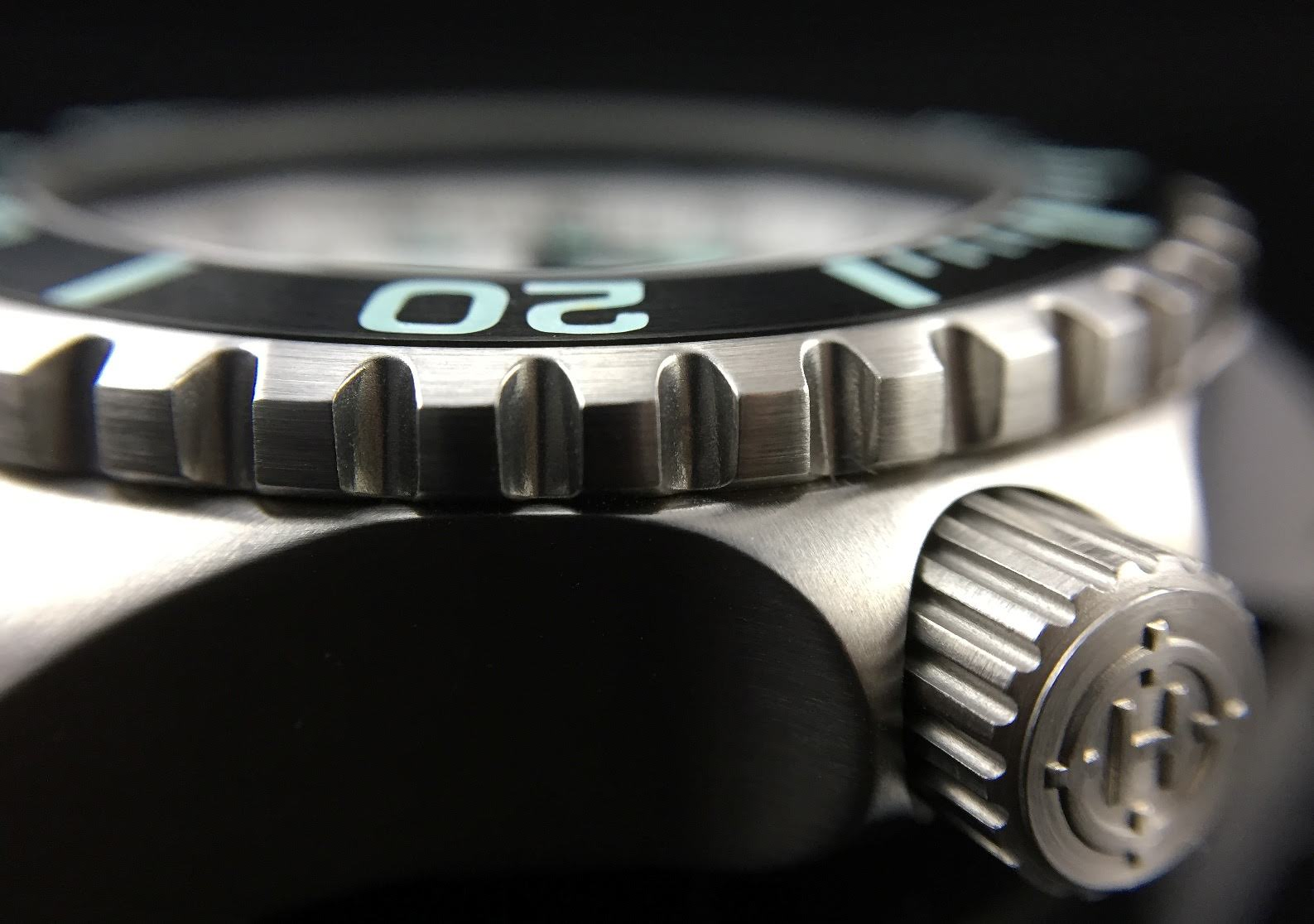 sub-40mm Technical Divers