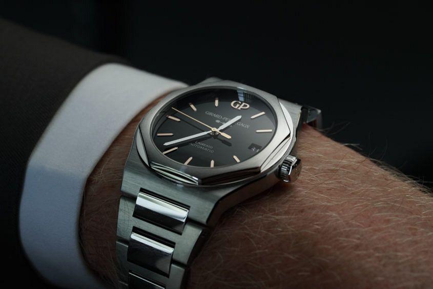 Girard perregaux laureato 42mm onyx geneva watch days