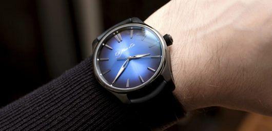 H. Moser & Cie. Pioneer Funky Blue Black Edition