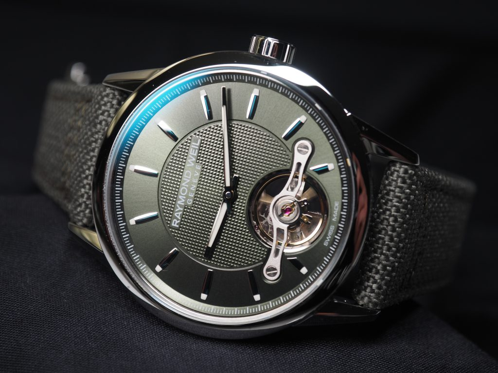 VIDEO: Oh, hello there Raymond Weil Freelancer Calibre RW1212 in Green, looking sharp in the metal
