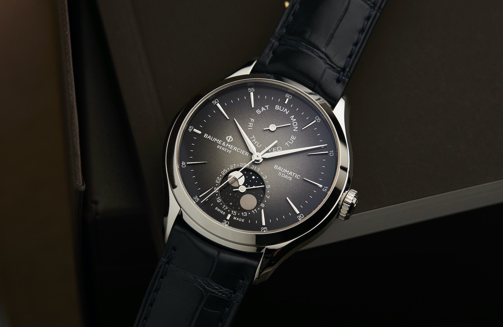 HANDS-ON: Let's be real, the Baume & Mercier Clifton Baumatic Automatic Day Date Moon Phase is stupendously good-looking