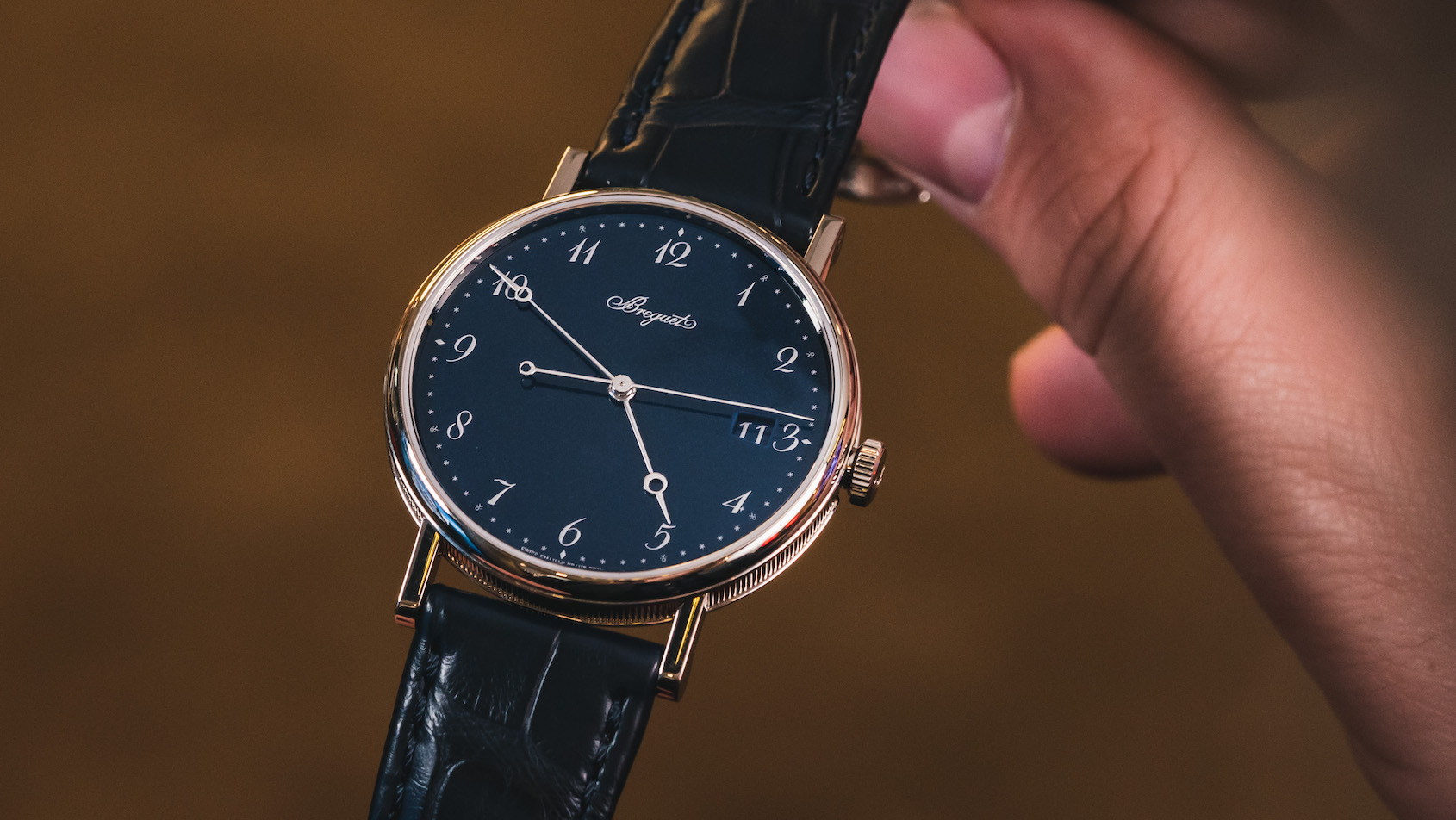VIDEO: Keeping it classy with the Breguet Classique 5177