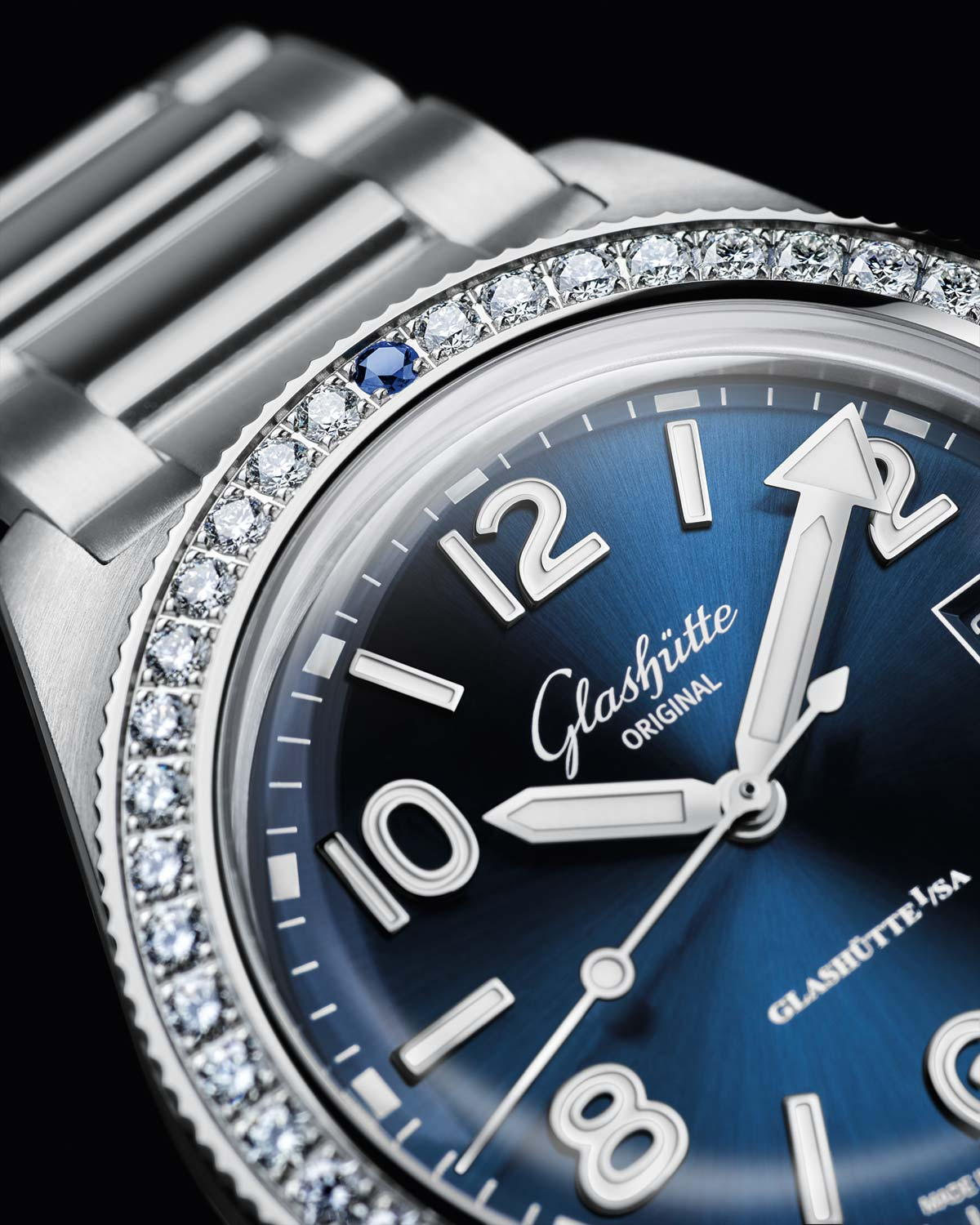 INTRODUCING: The Glashütte Original SeaQ – a 39.5mm dive watch with a diamond bezel? Sorry, what?