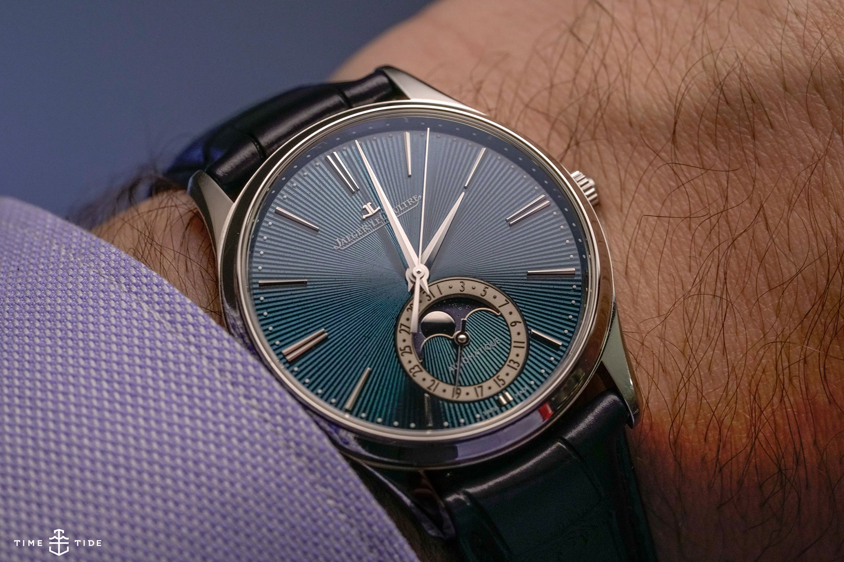 HANDS-ON: The Jaeger-LeCoultre Master Ultra Thin Moon Enamel
