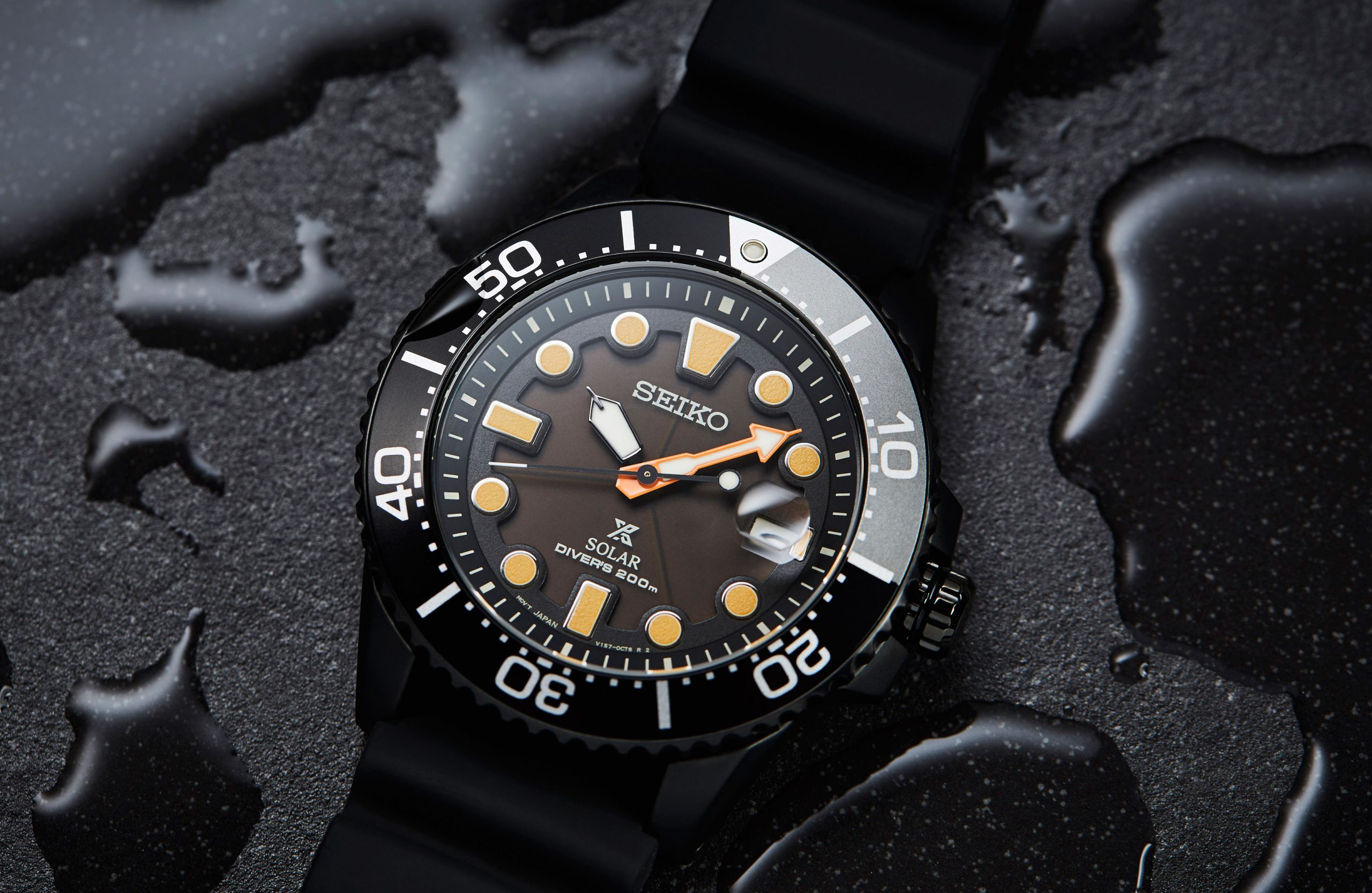 EDITOR'S PICK: Need to grab & go? Take a look at these Seiko Prospex divers