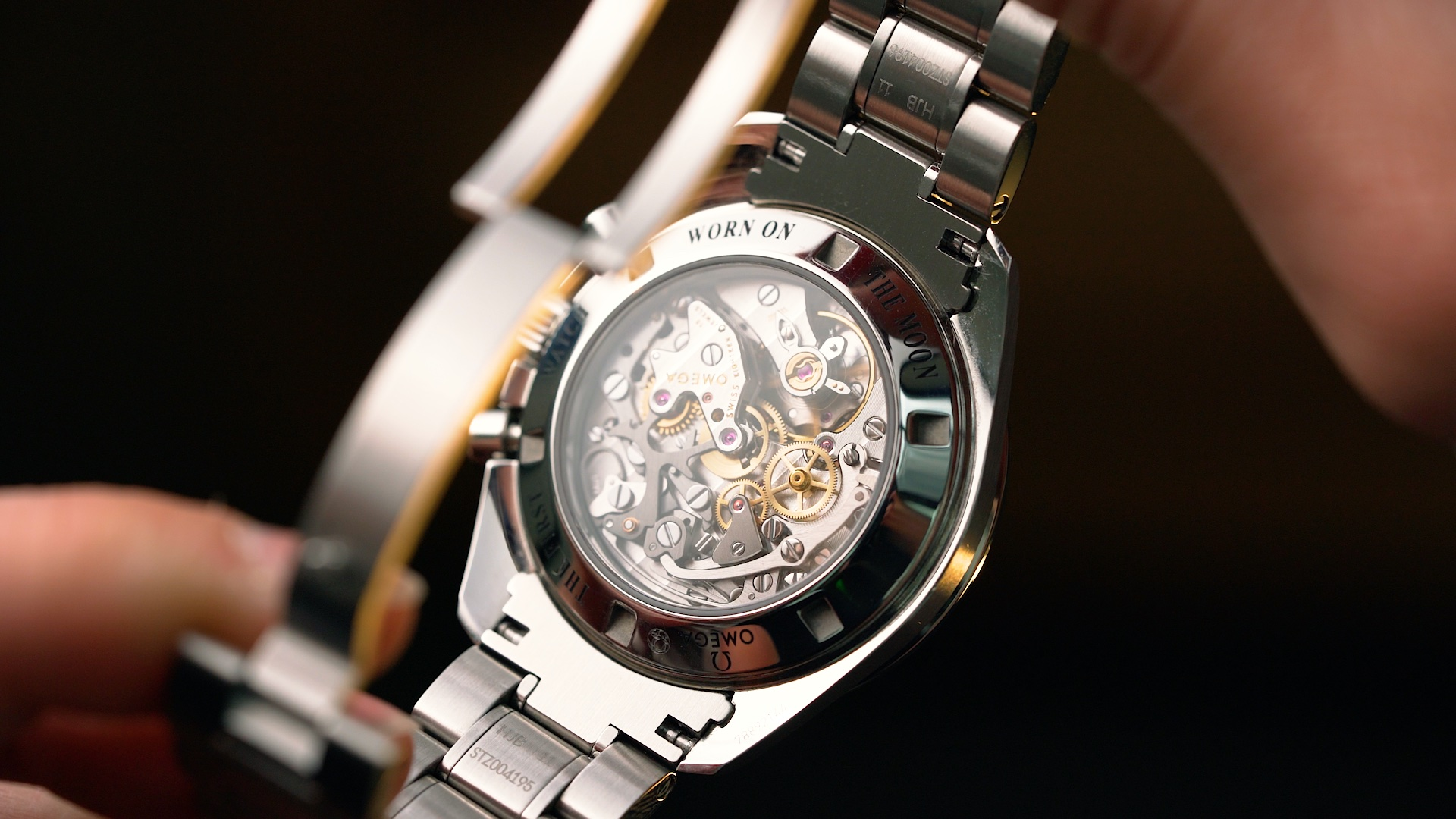 Omega Speedmaster Moonwatch Professional Chronograph 42mm