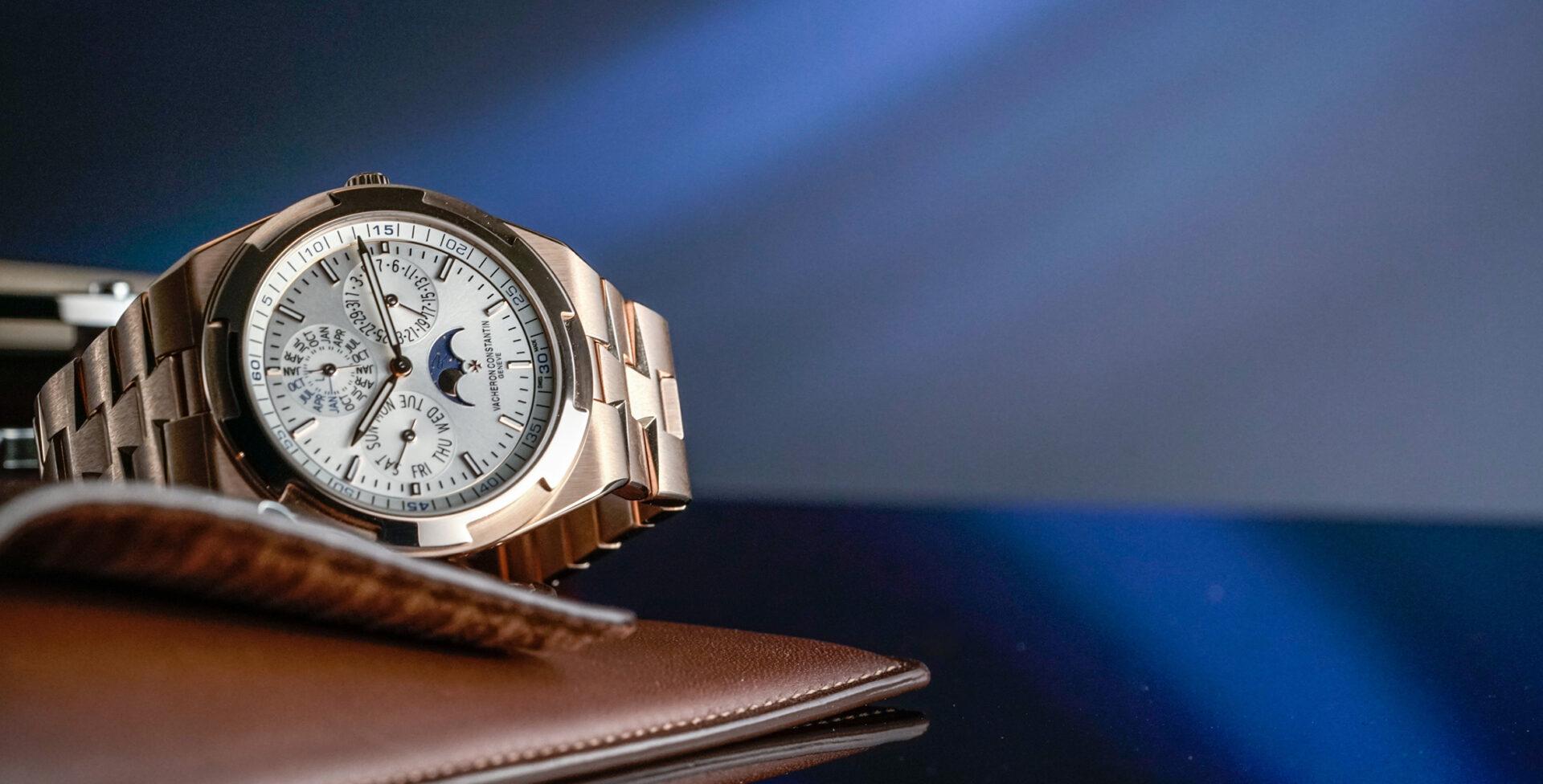 HANDS-ON: The Vacheron Constantin Overseas Perpetual Calendar Ultra-Thin – now on a fully gold bracelet