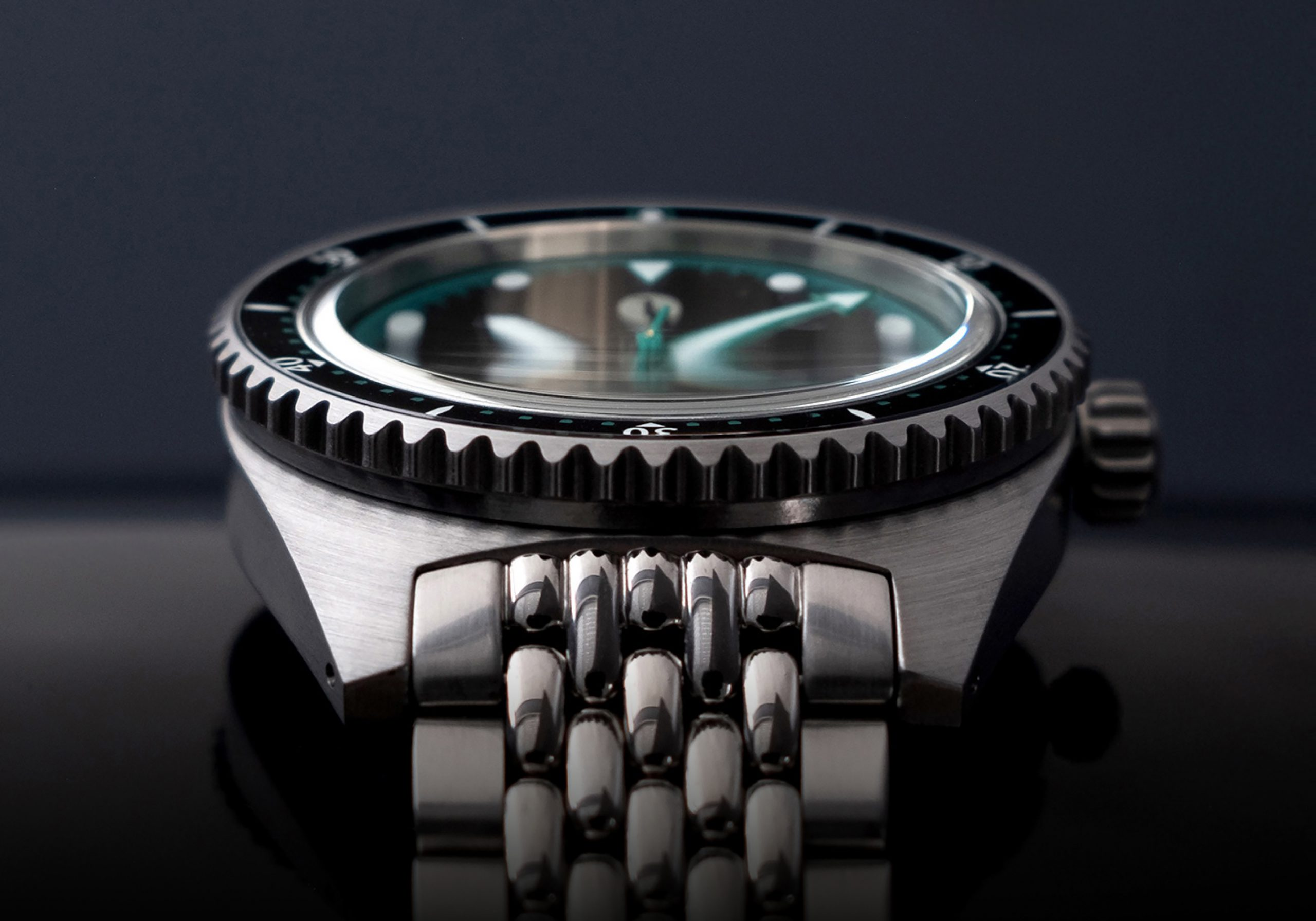 MICRO MONDAYS: The Albany Watches AMA Diver – a mother of pearl dial diver, with a $300USD price tag