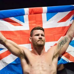 "MMA fighter Michael Bisping won't wear his gold Rolex because it makes him ""feel like an absolute wanker"""