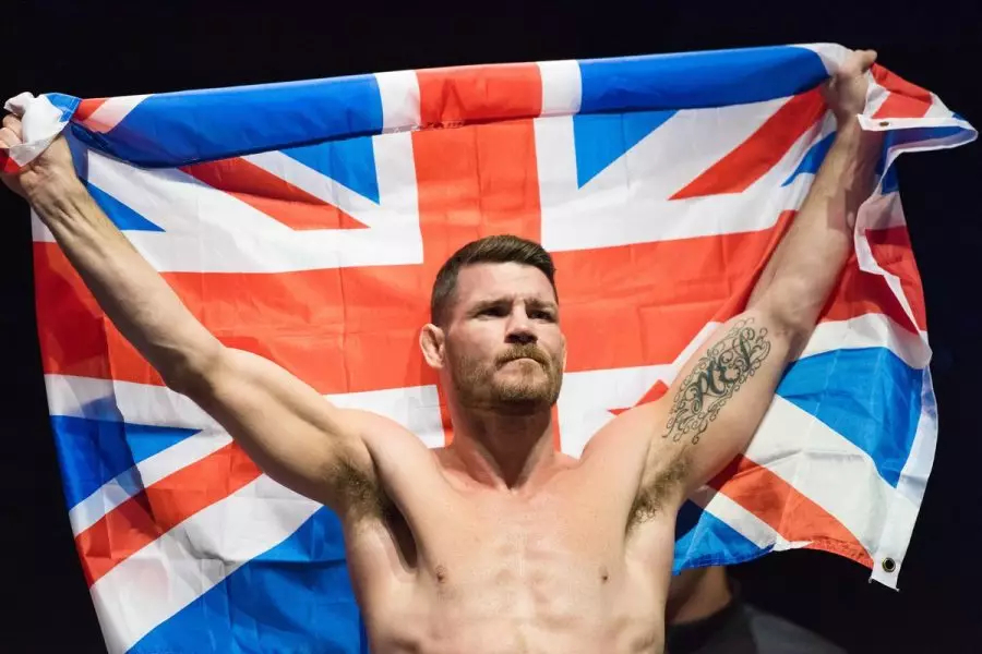 """MMA fighter Michael Bisping won't wear his gold Rolex because it makes him """"feel like an absolute wanker"""""""