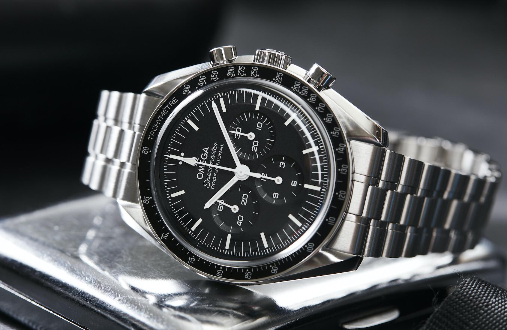 Omega Speedmaster Moonwatch Master Chronometer Collection