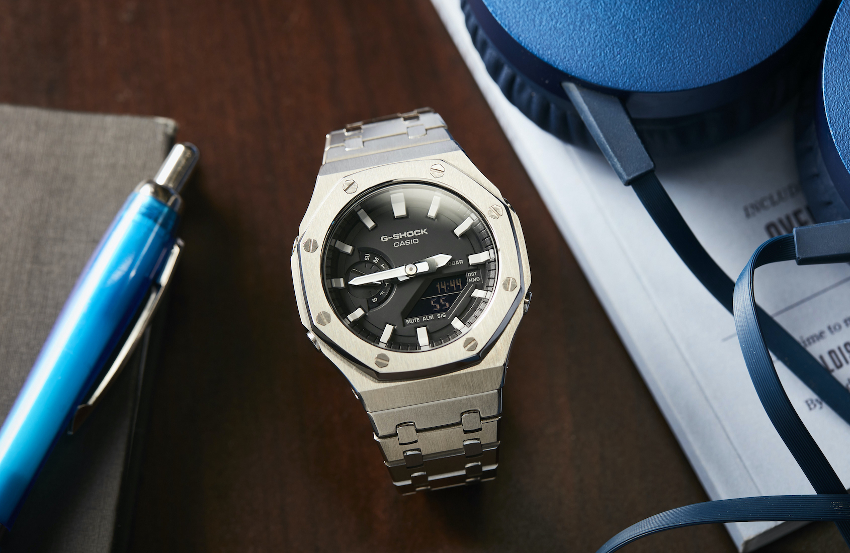COLLECTING STORIES: A G-Shock CasiOak modification that pushes the Genta levels up to 11