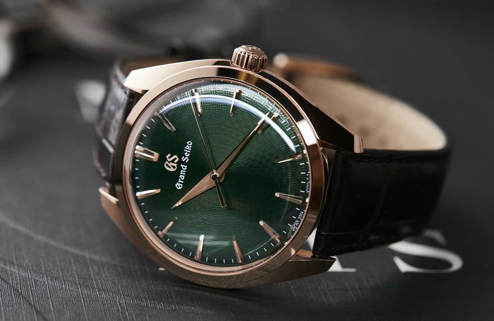 HANDS-ON: The Grand Seiko SBGW264 has one of the best green dials in the industry