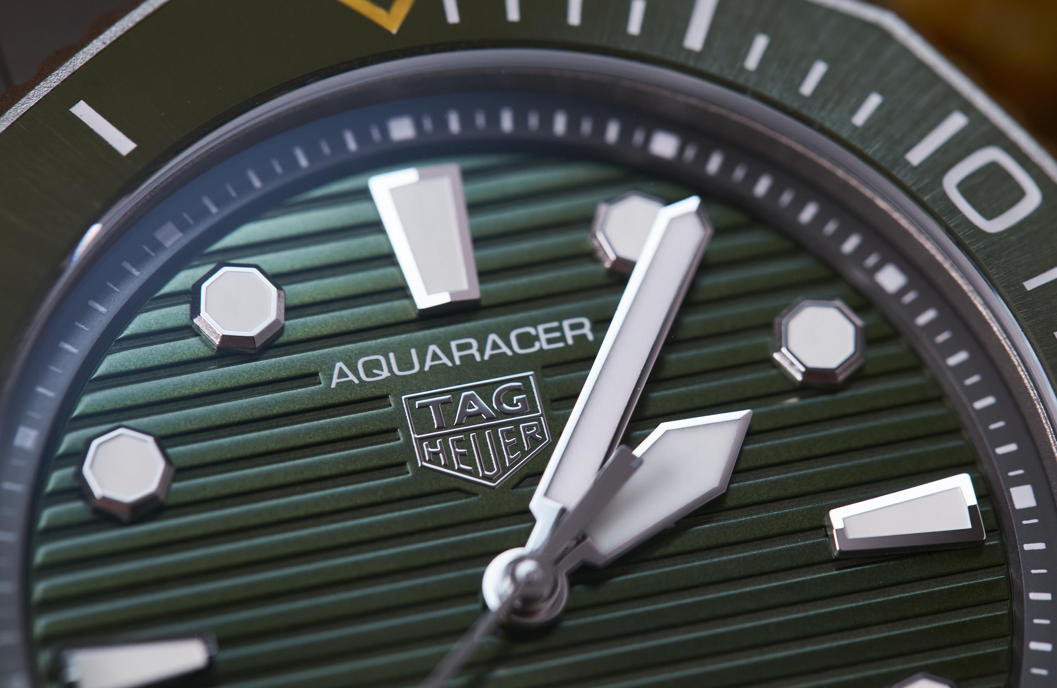 TAG Heuer Aquaracer Professional 300 in titanium
