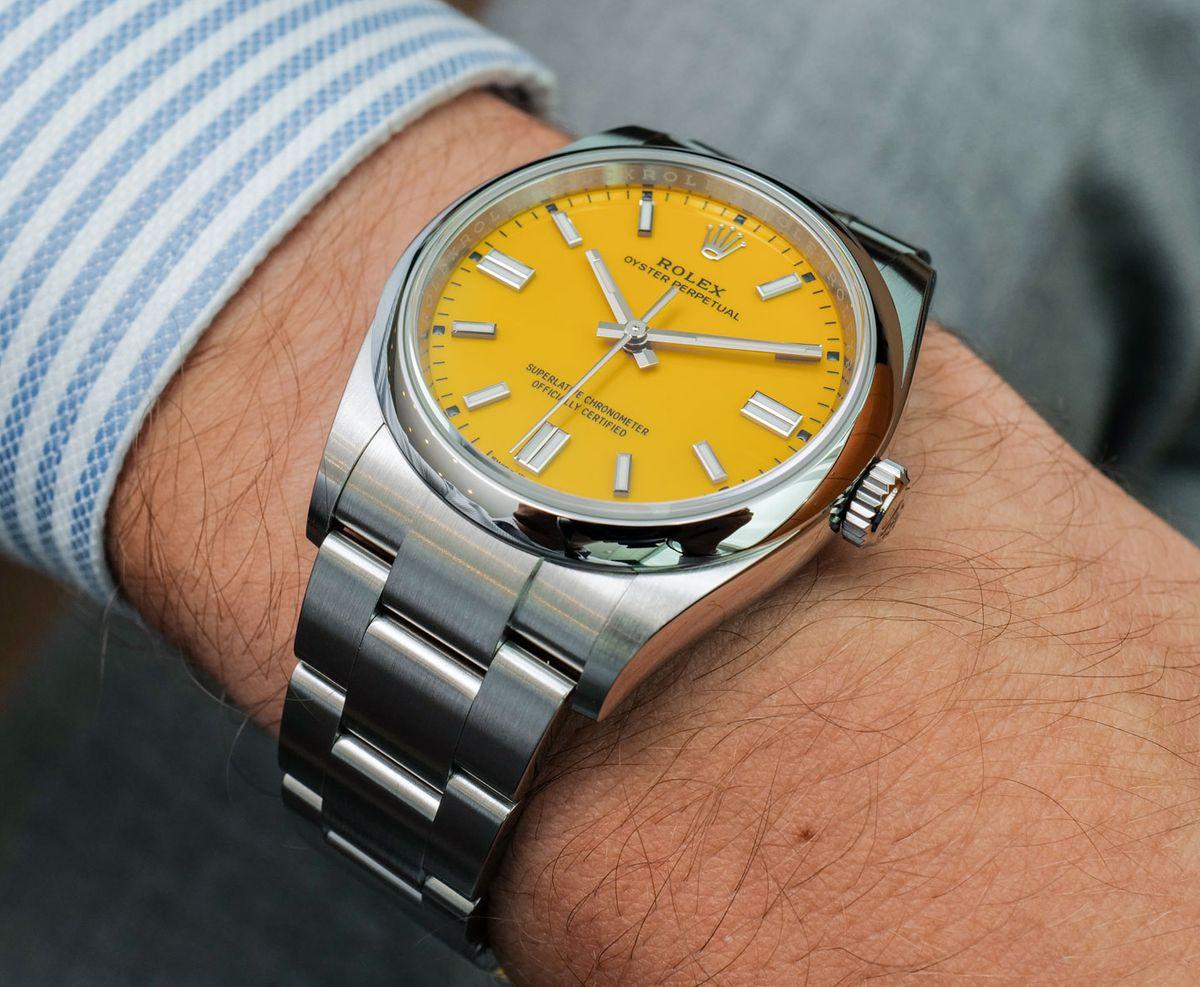 Yellow sunshine for the wrist