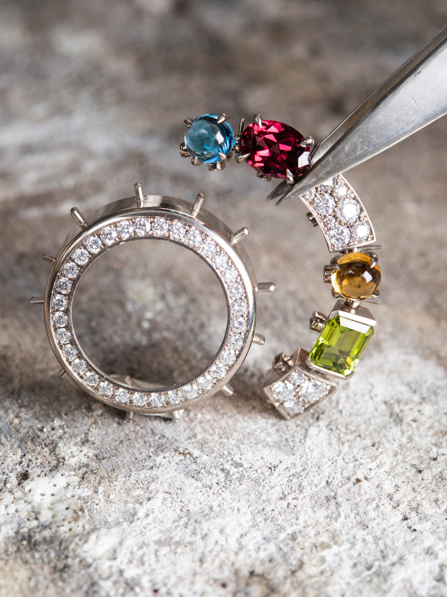 INTRODUCING: Supersized gem-set bezels bring the dazzle with the Bulgari Allegra