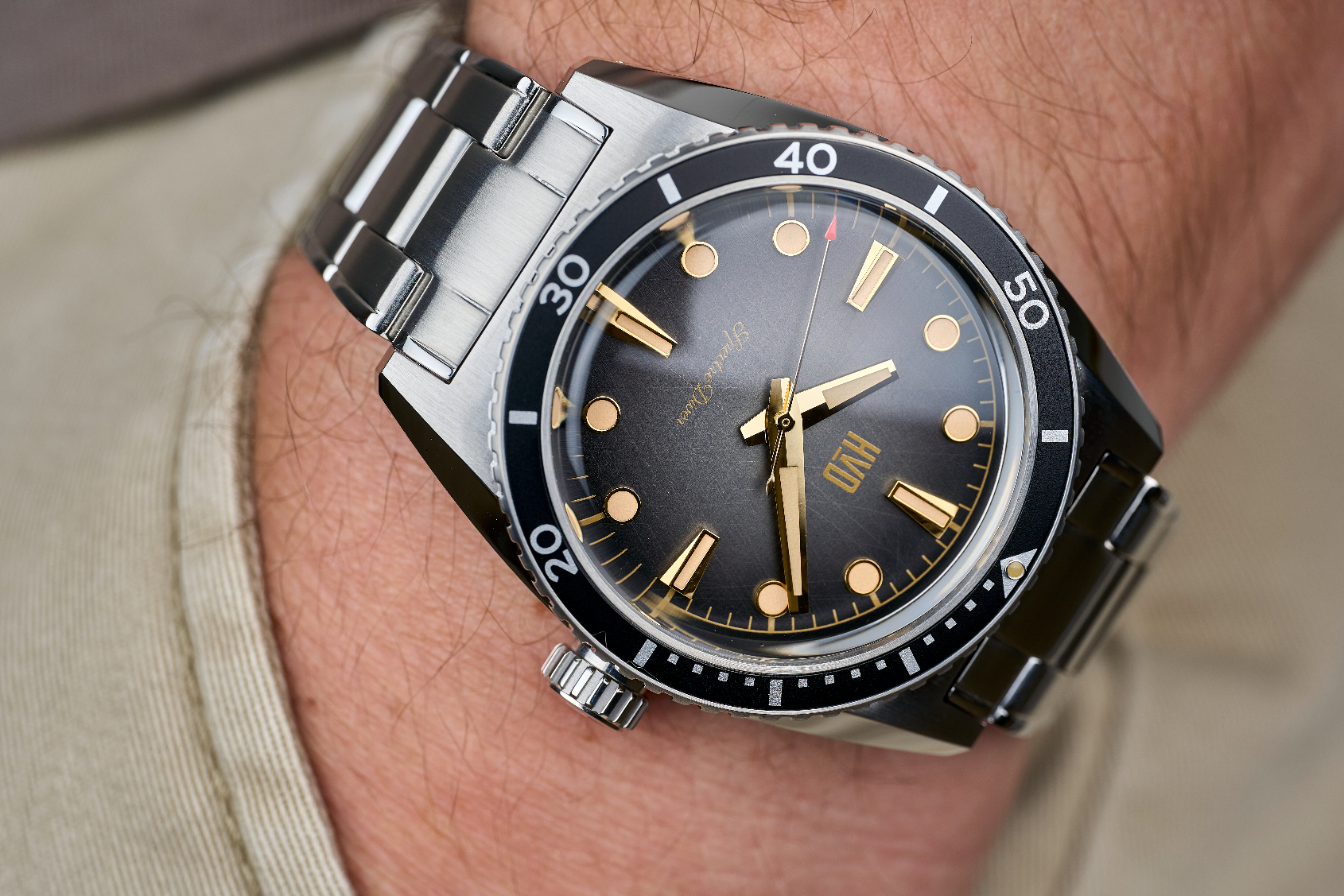 MICRO MONDAYS: The HVD SpectreDiver is a cracking vintage diver for under $400
