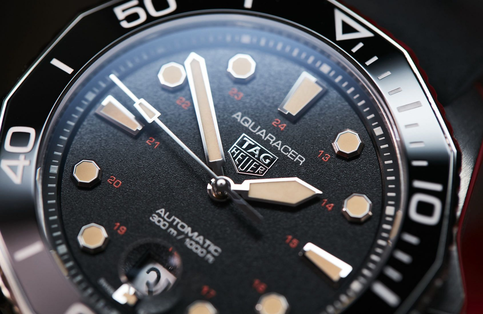 VIDEO: The TAG Heuer Aquaracer Professional 300 Tribute to Ref. 844 revitalizes TAG's first diver