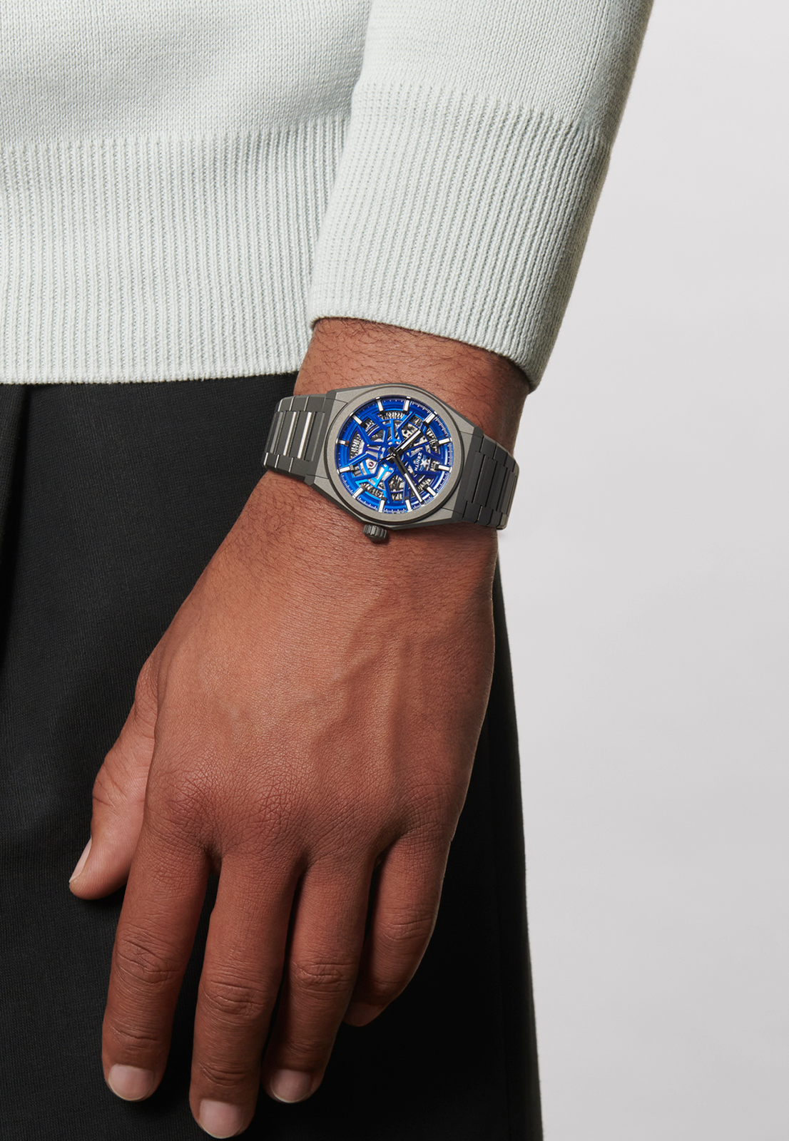 """Zenith Defy Classic Skeleton """"Night Surfer"""" Time+Tide Edition"""